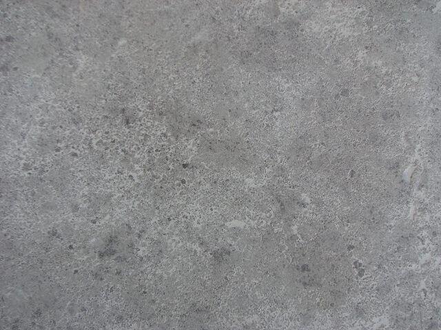 kleine gaatjes in beton